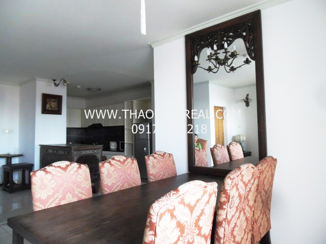 Classic 3 bedrooms apartment in Central Garden for rent